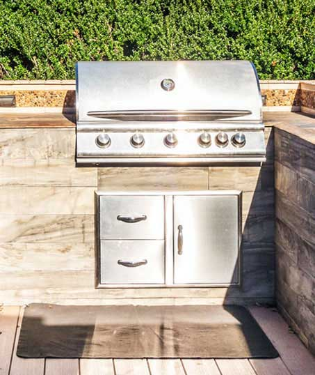 Tom's Picture Perfect Landscape Residential Outdoor Kitchen